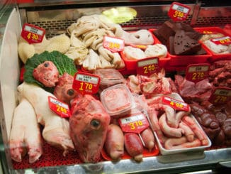 Fleischtheke mit Innereien